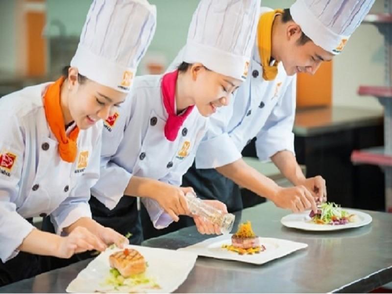 Học phí học nấu ăn là bao nhiêu? Cơ sở nào dạy nghề đầu bếp nào uy tín?
