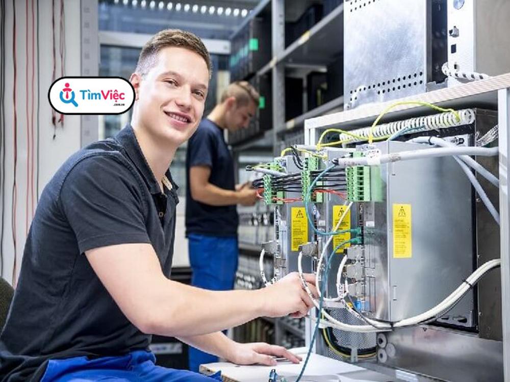 Nhân viên kỹ thuật điện là gì? Mức lương của vị trí công việc này